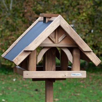 """VOSS.garden """"Herte"""" - hochwertiges Vogelhaus mit Standfuß"""