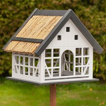 """VOSS.garden """"Lindau"""" - großes Vogelhaus im Fachwerkstil"""