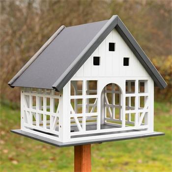 930365-voss-garden-fachwerk-vogelhaus-belau.jpg