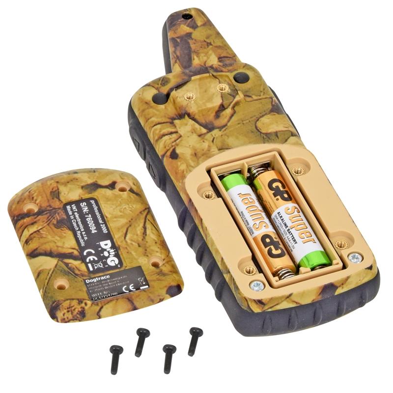 24343-DogTrace-Hundeerziehung-Handsender-Batteriefach.jpg