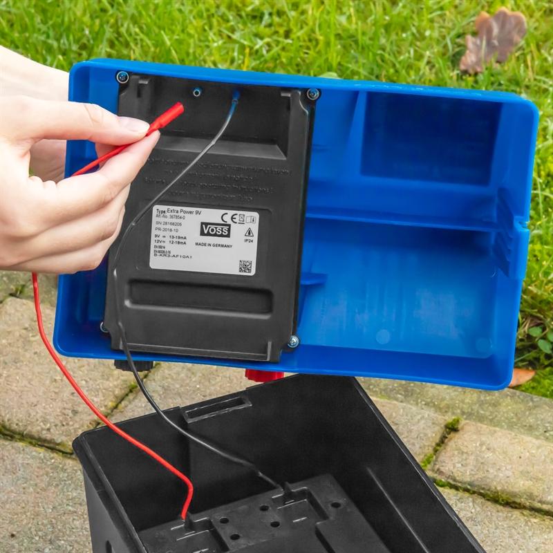 42011-voss-farming-9v-extra-power-batteriegeraet-batterie-anschliessen.jpg