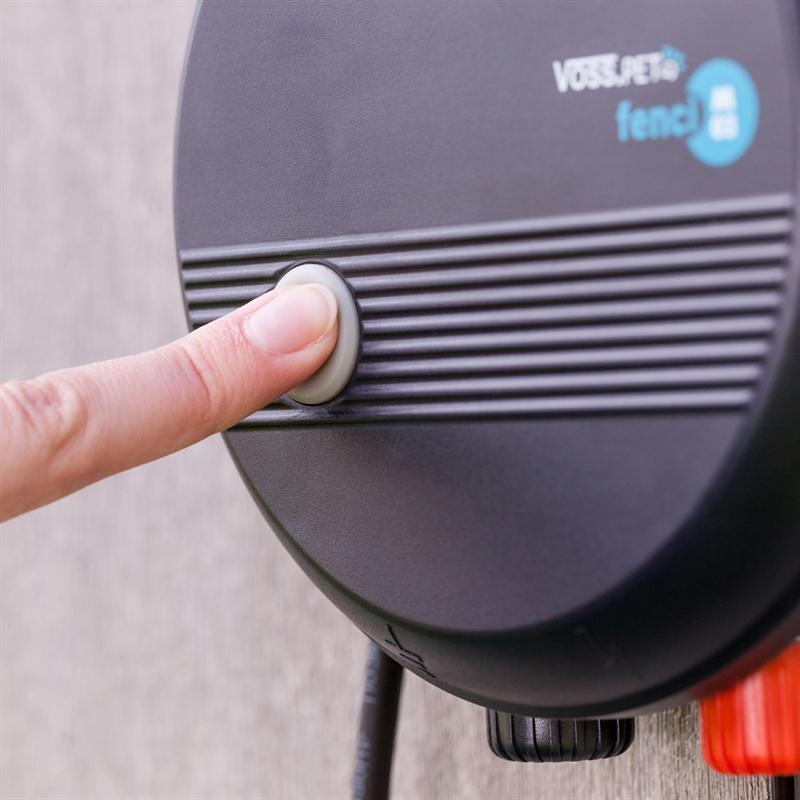 44770-VOSS.PET-Fenci-230V-Elektrozaun-mit-praktischen-Ein-Ausschalter.jpg