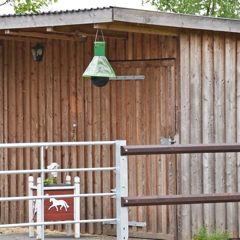 45500-MT-Trap-Bremsenfalle-Wespenfalle-zum-Aufhaengen-am-Stall.jpg