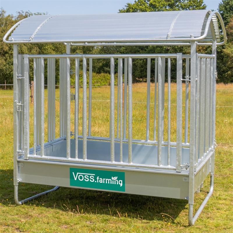 503903-voss-farming-viereckraufe-mit-sicherheitsfressgitter-und-dach.jpg