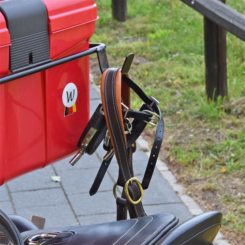 509200-voss-farming-sattelwagen-apollo-mit-praktischen-haken.jpg