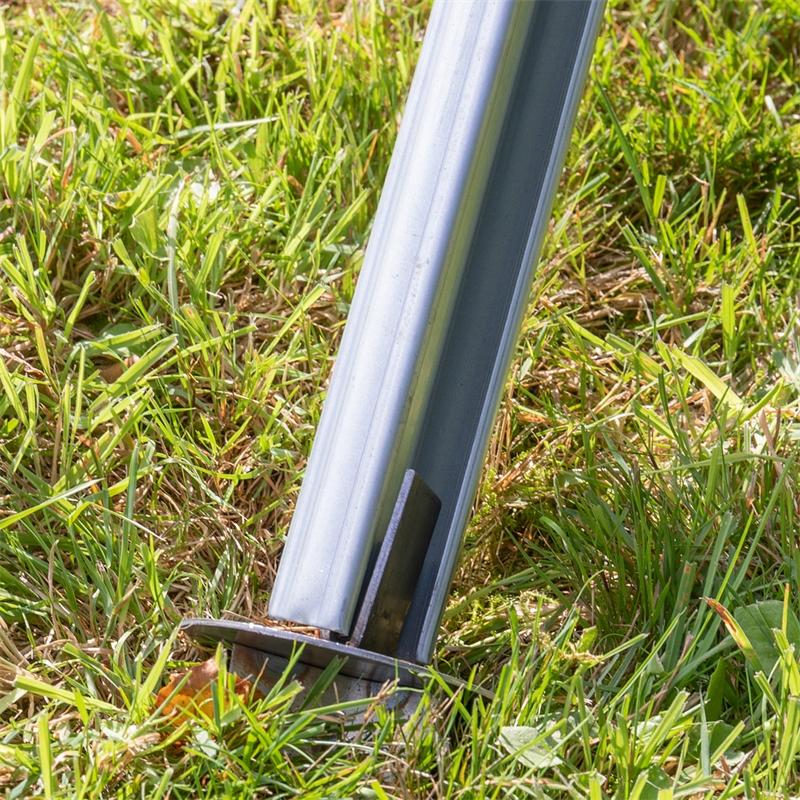 68610-voss-farming-erdteller-auf-z-profilpfahl-stecken-4.jpg