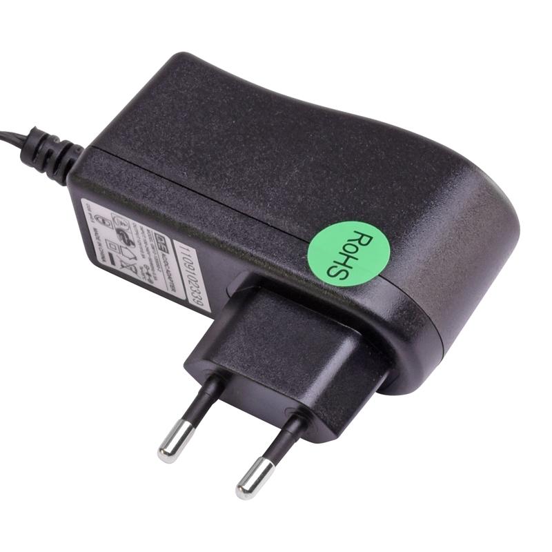 80390+80395-Traenke-Heizkabel-fuer-Gefluegeltraenken-Netzadapter.jpg