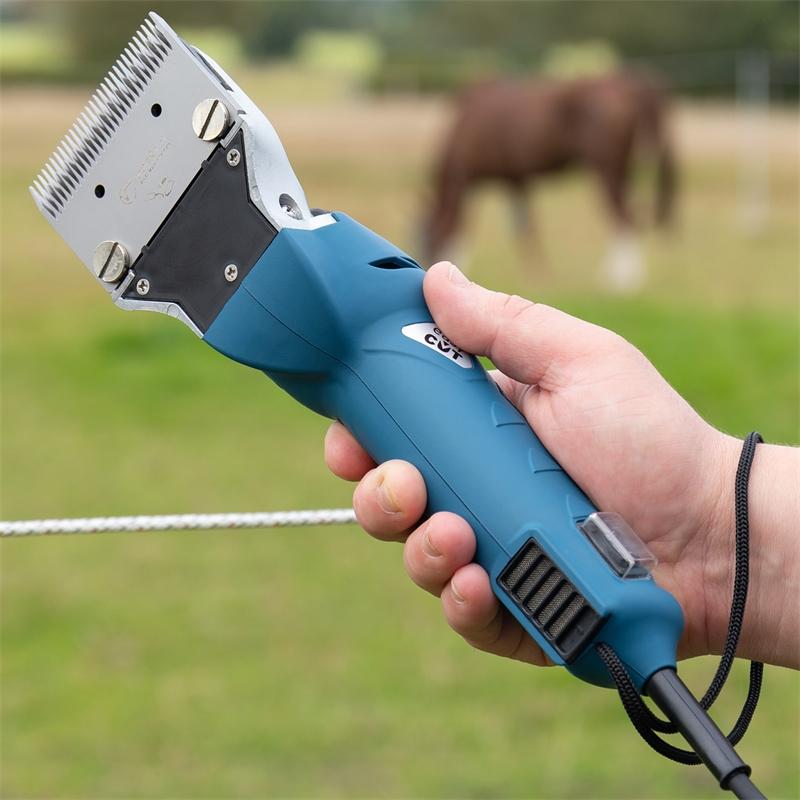 85286-voss-farming-easycut-pferdeschermaschine-praxis-ergonomischer-griff.jpg
