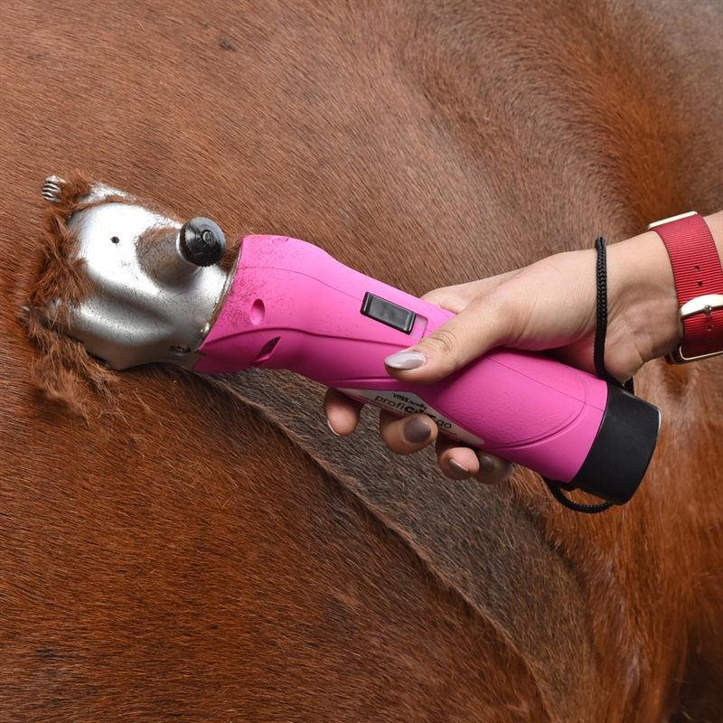 85347-voss.farming-schermaschine-proficut-go-pink-akku-pferde-ponys-praxiseinsatz.jpg