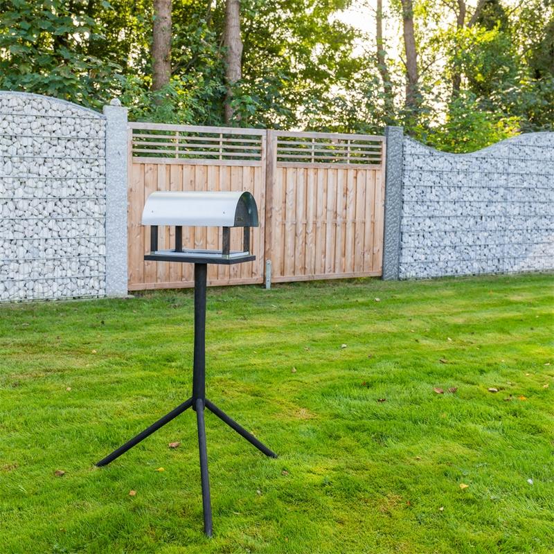 930128-voss-garden-vogelhaus-daenisches-design-rom-im-garten.jpg
