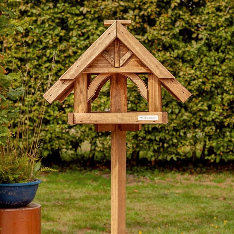 930310-10-voss-garden.vogelfutterhaus-finkenheim-aus-holz-besonders-schick.jpg