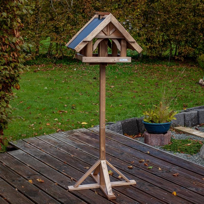 930311-2-voss-garden-herte-vogelhaus-mit-standfuß.jpg