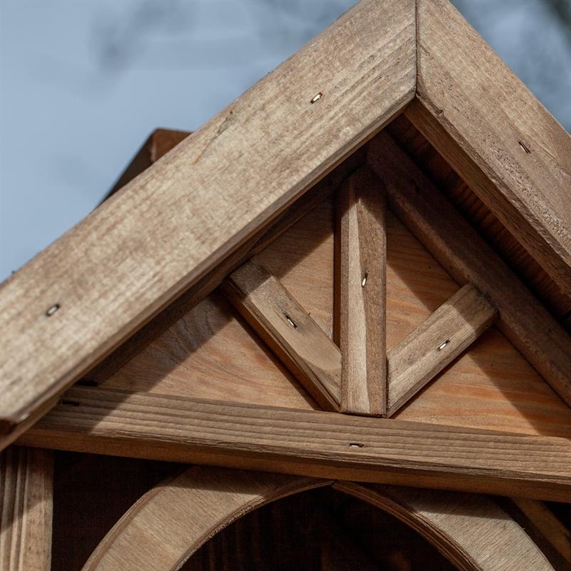 930311-5-voss-garden-herte-futterhaus-mit-schicken-details.jpg
