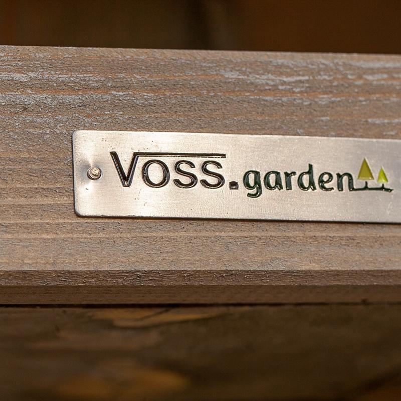 930332-4-voss-garden-besonders-hochwertiges-futterhaus-fuer-voegel.jpg