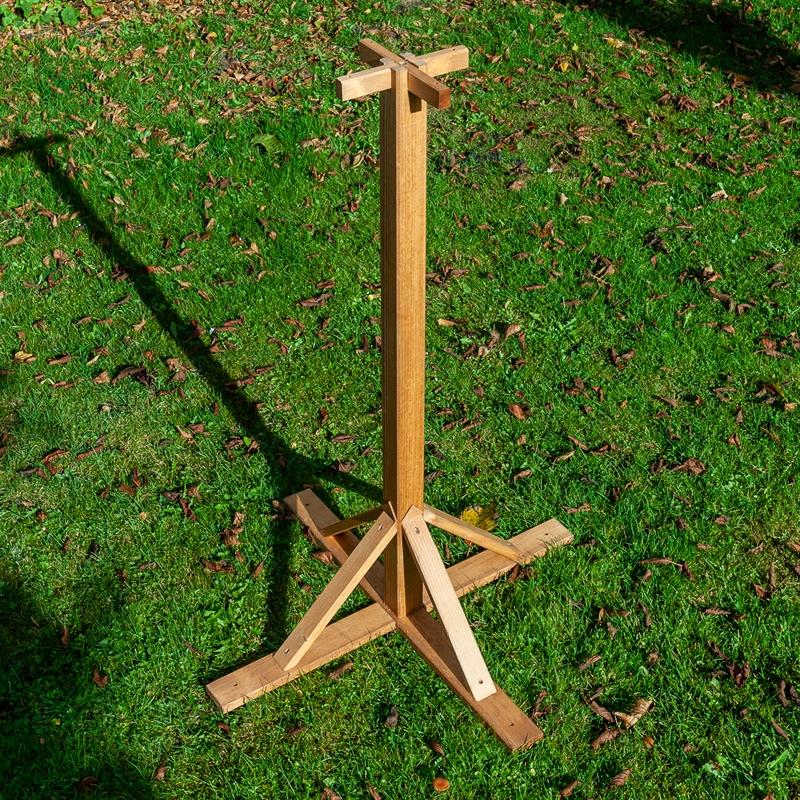 930343-8-voss-garden-vogelhausstaender-massiv-100cm-aus-holz-mit-verstärktem-standfuß.jpg