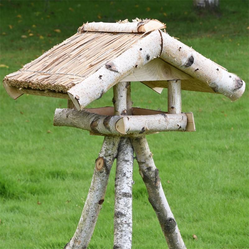 930430-voss-garden-vogelfutterhaus-mit-reetdach-und-staender-holm.jpg