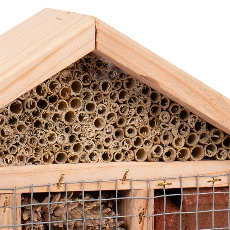 930702-7-voss-garden-insektenhotel-nestroehren-bienen.jpg
