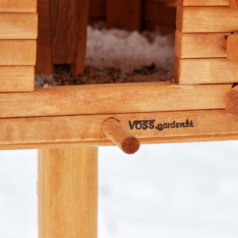Massives-Vogelhaus-Wintertraum-guenstig.jpg